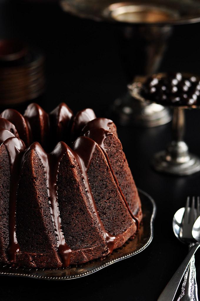 Chocolate Bundt Cake With Dark Chocolate Glaze