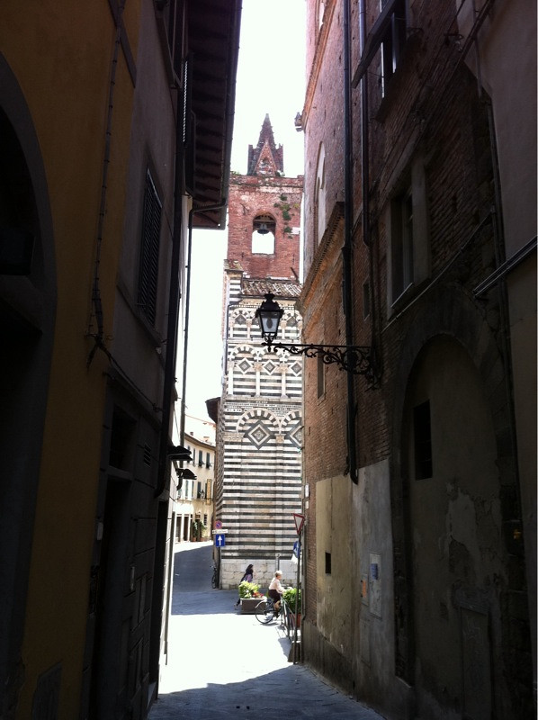 Palazzo dei vescovi pistoia italy around guides - B b canto alla porta vecchia pistoia ...