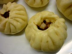 produce(0.0), khinkali(0.0), nikuman(1.0), mongolian food(1.0), xiaolongbao(1.0), mandu(1.0), baozi(1.0), momo(1.0), food(1.0), dish(1.0), varenyky(1.0), dumpling(1.0), jiaozi(1.0), buuz(1.0), cuisine(1.0),