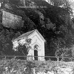 Hausstein Kapelle 03