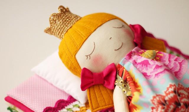 Pink princess and the pea detail :: Pormenor da princesa e a ervilha cor de rosa
