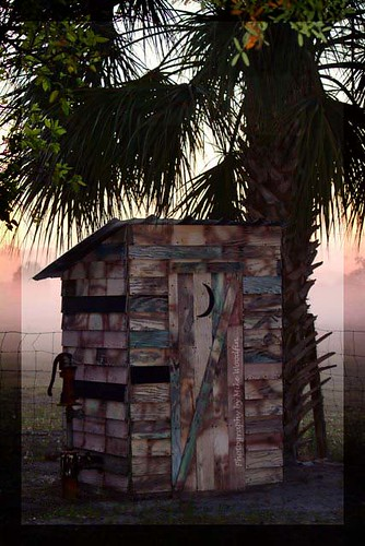 wood travel usa history fog sunrise canon tampa landscape photography photo nikon fuji florida country bano palm photograph historical weathered fl outhouse potty crapper palmetto riverview hillsborough gibsonton mikewoodfin