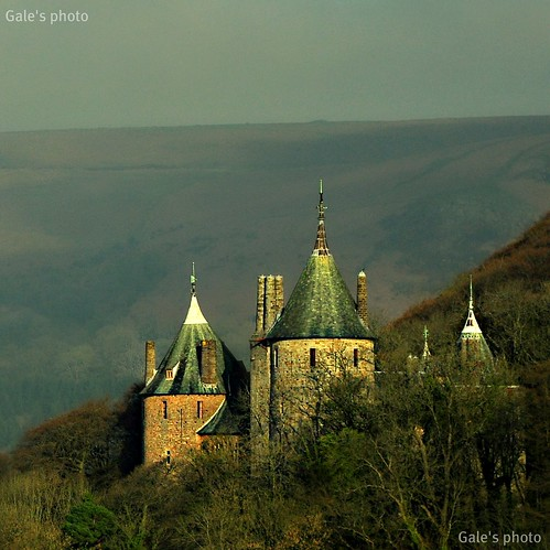 trees mountain castle forest nikon cropped turrets closer jacksbirthday castellcoch castlecoch redcastle d90 nikond90 thegarth 14today 18105vr