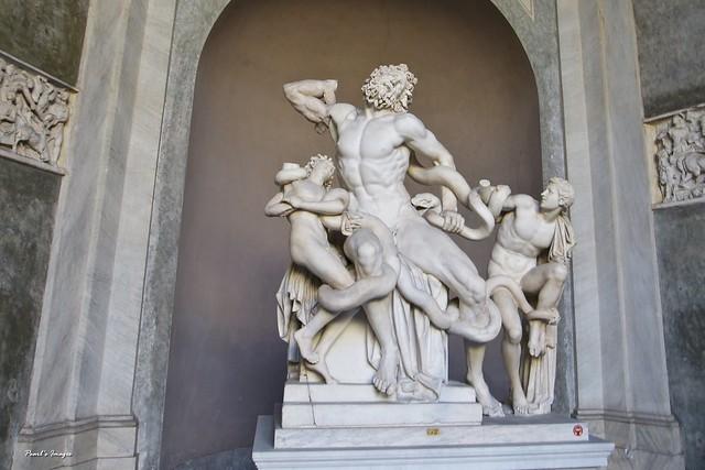 精緻生動的雕像