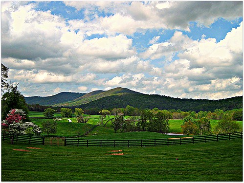 ranch mountains green nova clouds fence country va land dcist hillside hume northernvirginia marriottranch flipmode79