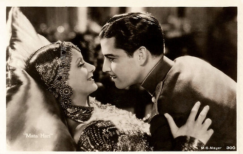 Great Garbo and Ramon Novarro in Mata Hari (1931)