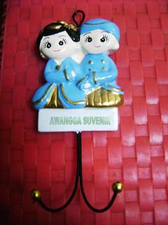 souvenir gypsum ganci pengantin jawa