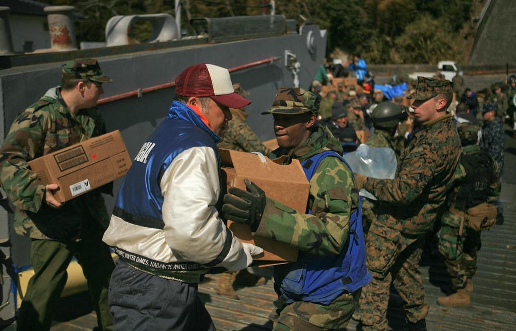 图说:日本海啸救灾中的USMC等 - 银河 - 银河@生存主义唱诗班