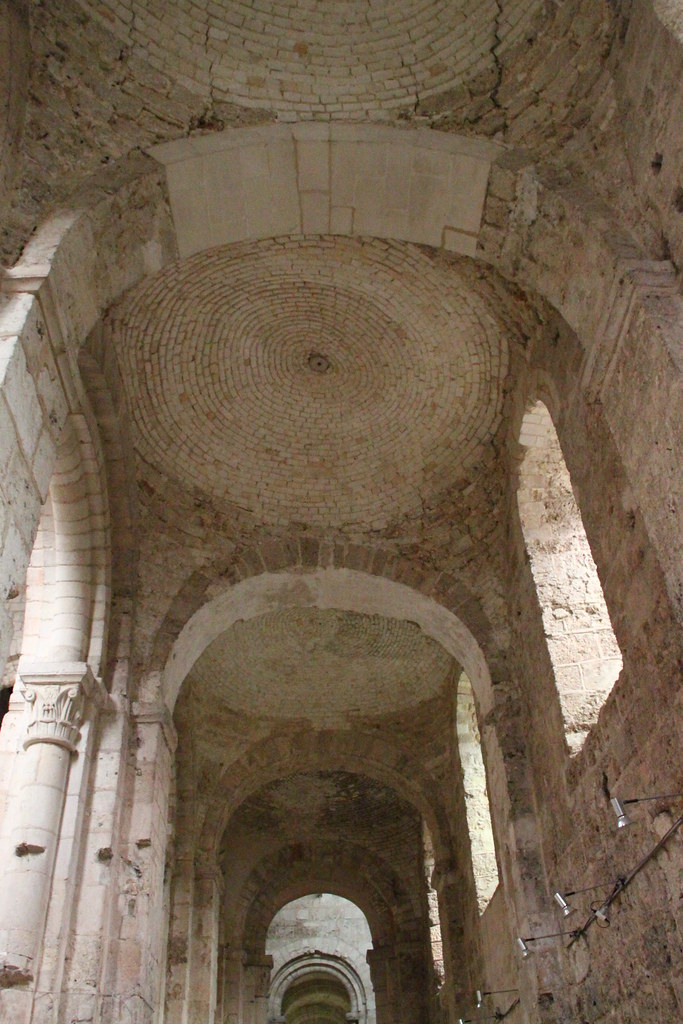 ... Abbatiale Notre-Dame de Bernay - by kristobalite