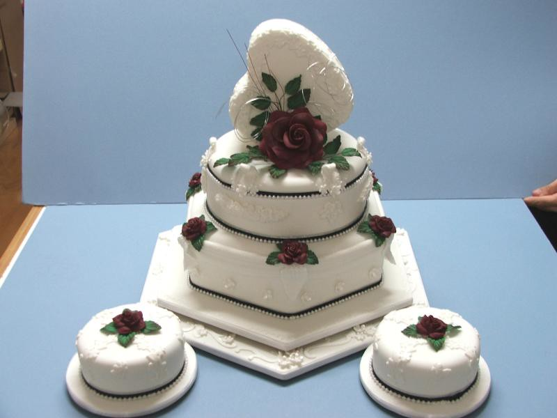 Toowoomba Wedding Cakes Cake Decorating Training ...