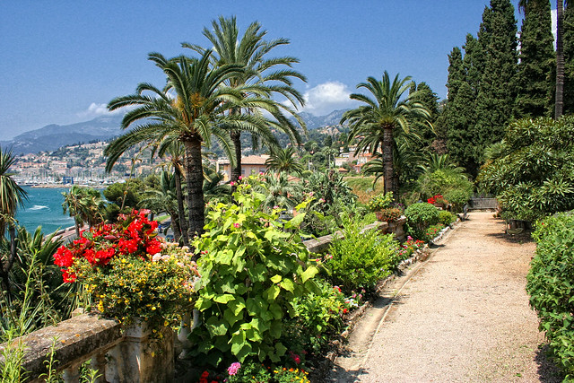 Menton jardin de la villa maria serena 30 flickr photo for Jardin 3 marias