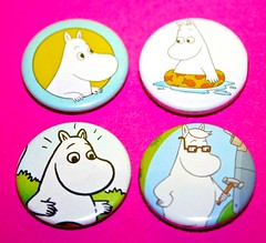 MOOMIN BADGES!
