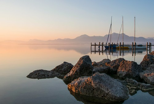 sun mountains alps nature water fog sunrise germany boats bayern bavaria nikon wasser nebel stones boote berge alpen sonnenaufgang chiemsee prien chiemgau d5300