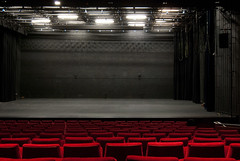 movie theater(0.0), performing arts(0.0), building(1.0), music venue(1.0), theatre(1.0), stage(1.0), theatre(1.0), auditorium(1.0),