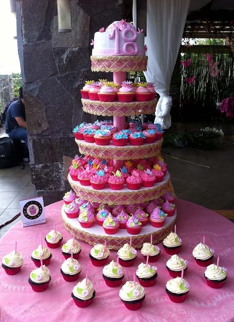 Simple Cake Design For Debut : 5659921158_b8dcaff49f_z.jpg