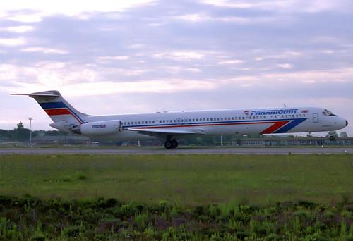 Paramount MD-83 G-PATB GRO 04/07/1988