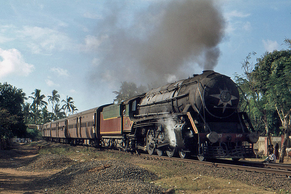 Steam in India - WP7607 departs Quilon