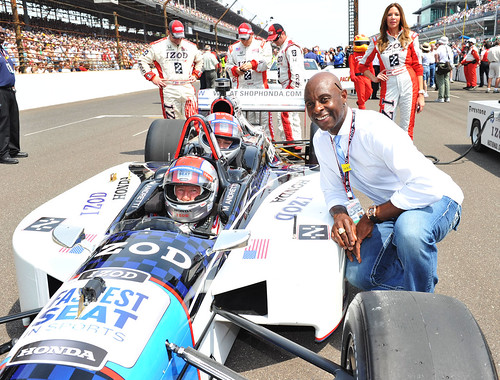 Jerry Rice with the IZOD/Honda Fastest Seat in Sports.