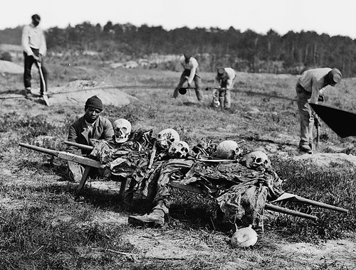 Cold_Harbor,_Va._African_Americans_collecting_bones