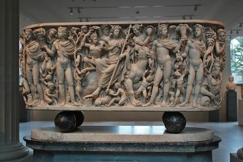 Sarcófago triunfo de Dionisos y las Estaciones
