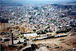 Зображення Pergamon поблизу Bergama. 2001 trip turkey geotagged greek columns entrance acropolis pergamon bergama geo:lat=3913212485782123 geo:lon=27184440828380616