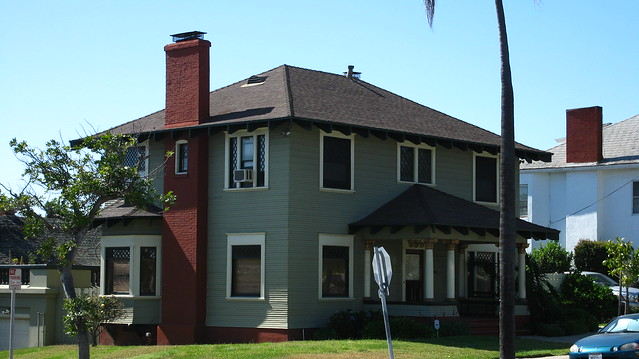Dark green house with white trim memes for White house green trim