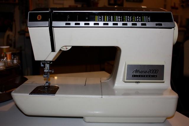 singer sewing machine athena 2000