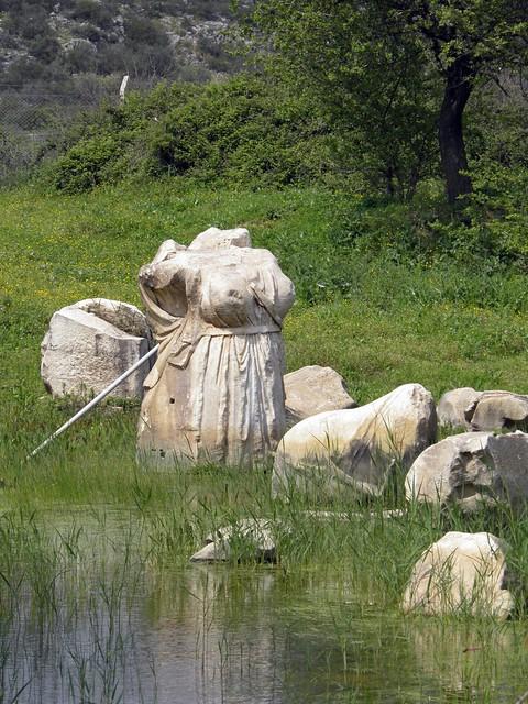 Monumental statue of Artemis, Temple of Apollo, Klaros