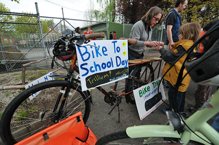 Trillium Charter School bike train-17-14