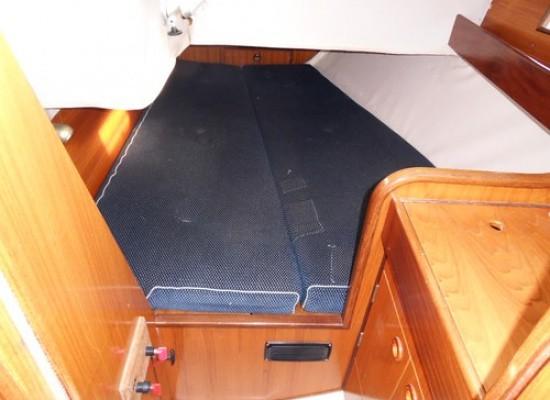 Yacht Images: BENETEAU OCEANIS 350 1990. Provence Côte D'azur, France