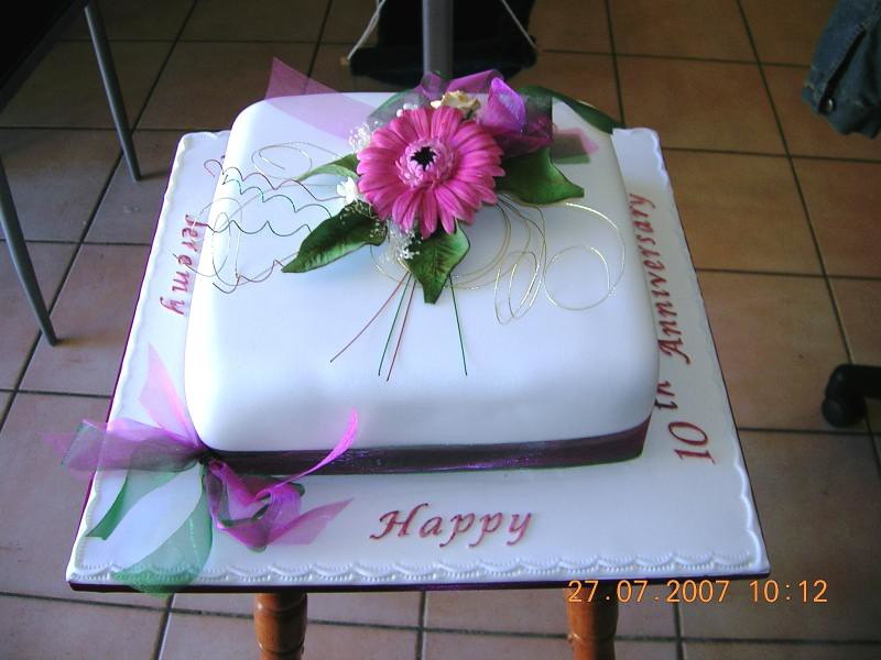 Cake Decorating Course Toowoomba : Anniversay and Engagement Cakes Celebration Cakes ...