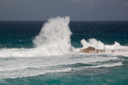 ocean water waves views turksandcaicosislands middlecaicos dragoncay mudjinharbor crossingplacetrail