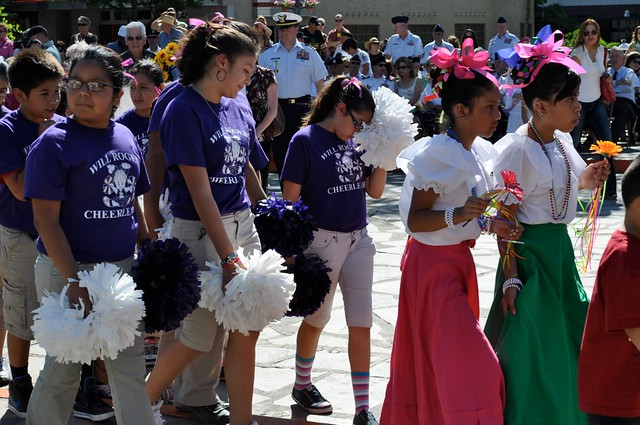 Students from will rogers elementary school in san antonio present