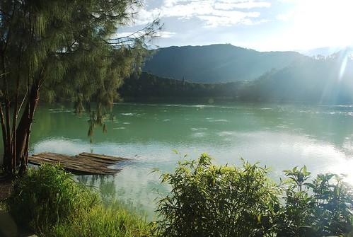 indonesie indonesia asie asia java jawa travel voyage dieng diengplateau lac lake sulfur telagawarna imgp9006raw bo landscape green eau water telaga central tengah earlymorning matin sigma1770mmf2845dcmacro slimpytg 3x2 tirage10x15le20130804 slimpyset flickrpublic alexh3o
