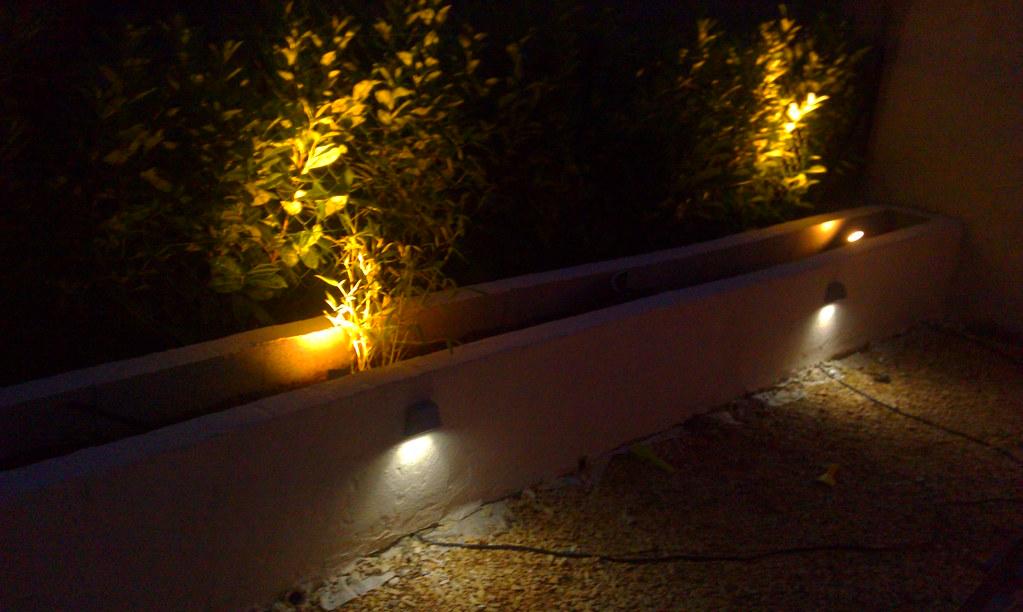 Jardini re en parpaing pour bambou page 3 lesbambous - Jardiniere en parpaing ...