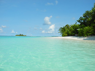 Image of DIVING @ Vakarufalhi Beach with a length of 405 meters. summer beach strand sommer sunny maldives malediven