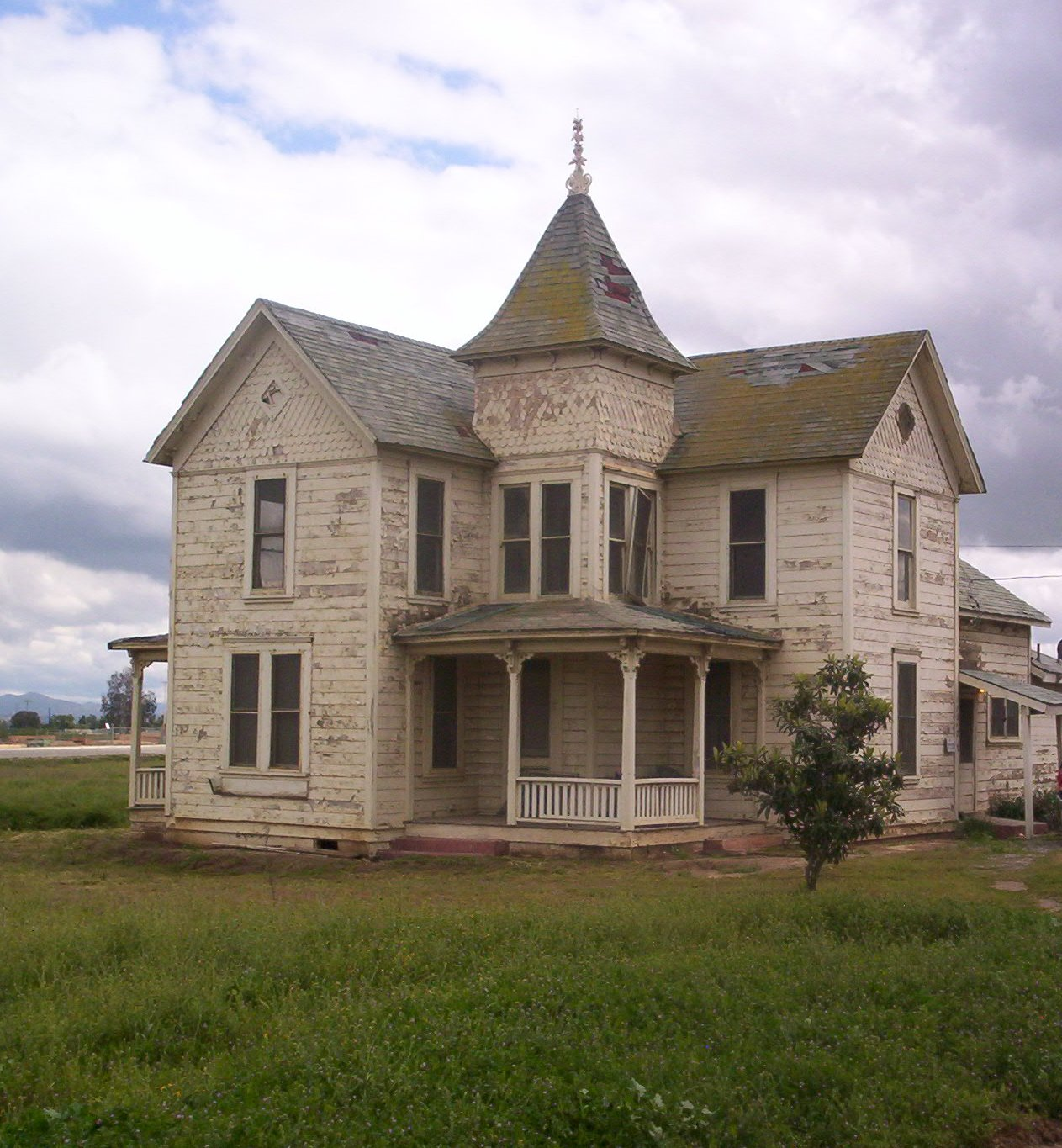 Victorian House Outside Of Perris Ca Flickr Photo