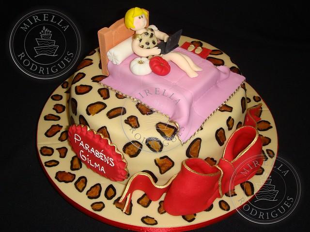 costumized cakes