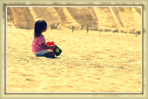 Lonely girl & the sand
