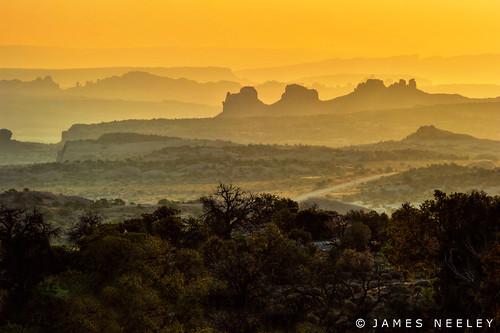 sunrise landscape utah bravo anp silhouettes arches canyonlandsnationalpark canyonlands archesnationalpark hdr islandinthesky 5xp jamesneeley clnp