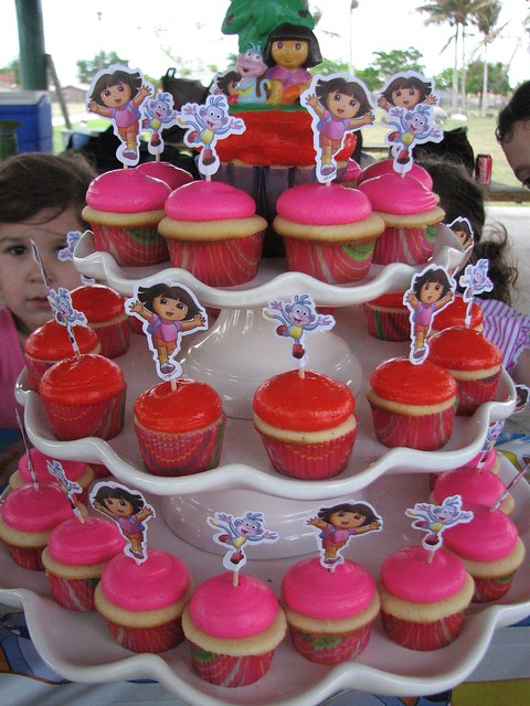 Dora Cupcake Holders http://www.flickr.com/photos/sugarcrush/5661578306/
