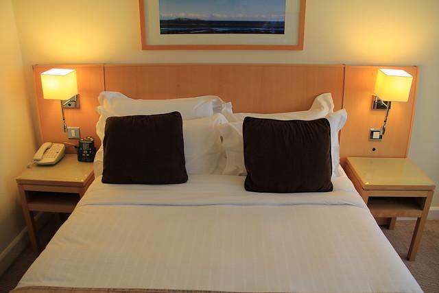Deluxe Queen Bed Size