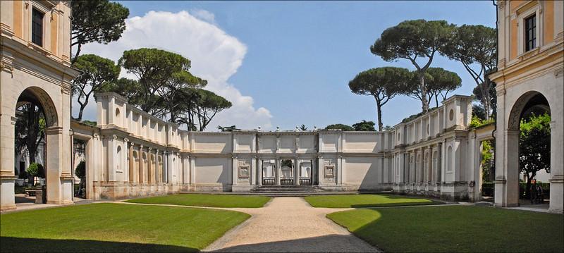 La première cour de la Villa Giulia (Rome)