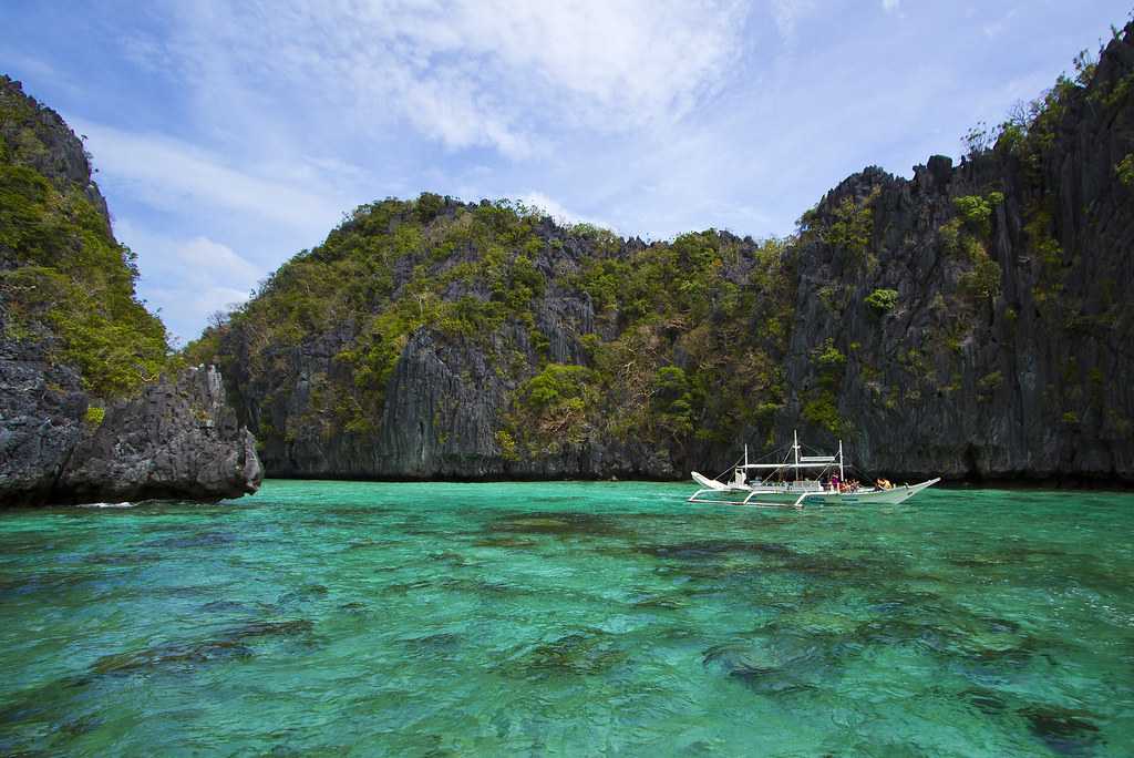 Island Hopping El Nido | Photo Credit: Willoughby Owen