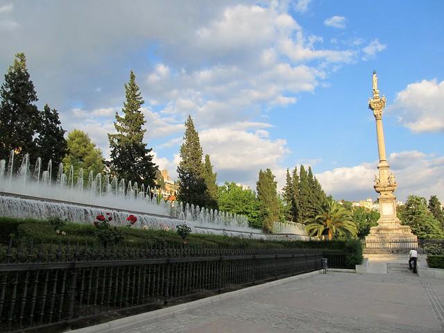 Granada fuente del triunfo explore toniomora 39 s photos for Triunfo jardin granada