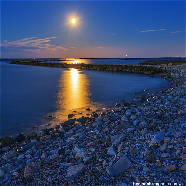 Breakwater blue hour