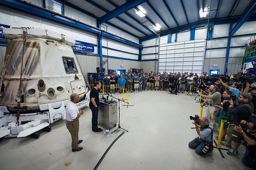 SpaceX Dragon Cargo Transfer (201206130004HQ)