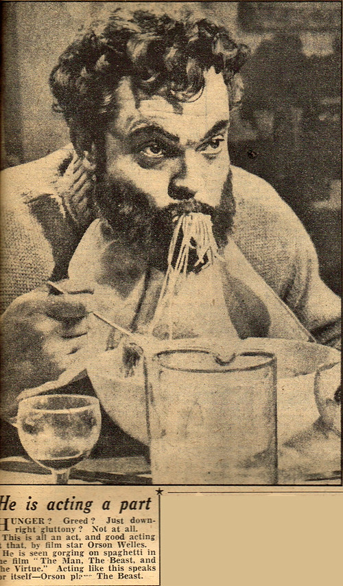 Orson Welles Eats Spaghetti