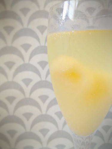 Champagne w Grapefruit-Elderflower 6