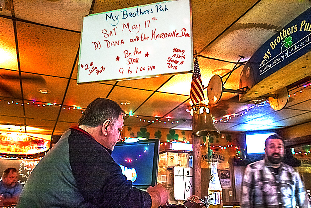 My-Brother's-Pub--Levittown